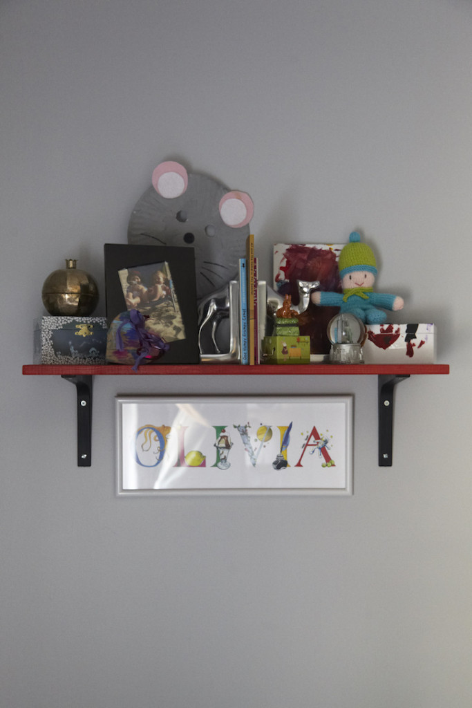Girls shared woodland bedroom shelf