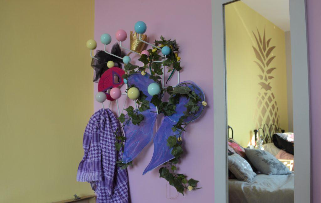 Shared kids bedroom girls pineapple