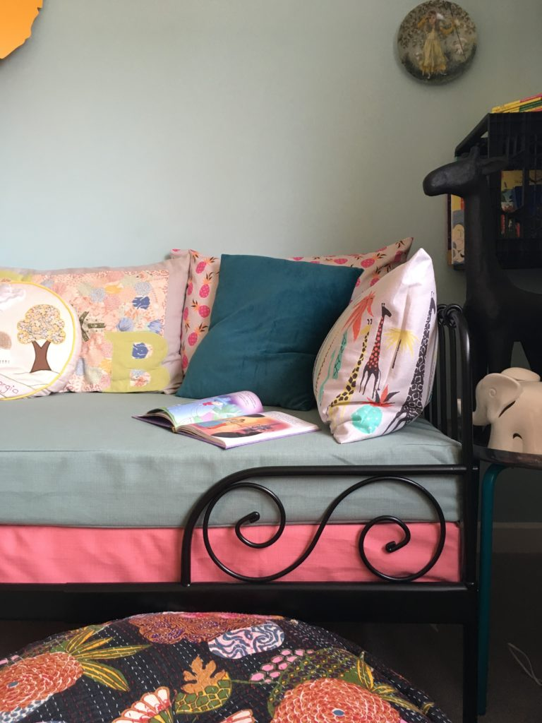 IKEA MINNEN day bed