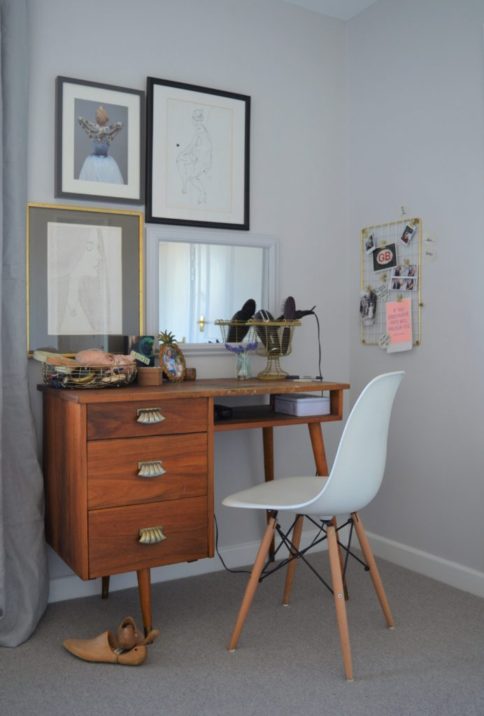 Dulux Night Jewels 5 master bedroom dressing table