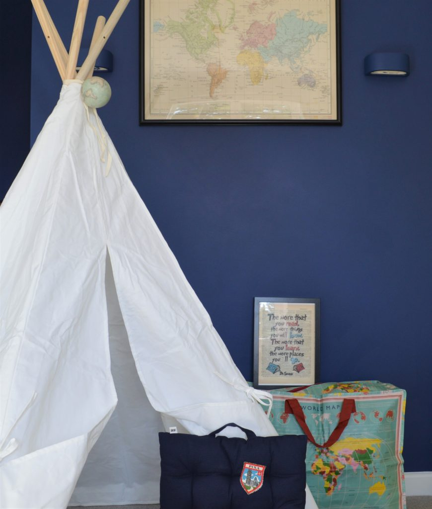 Travel themed boy bedroom