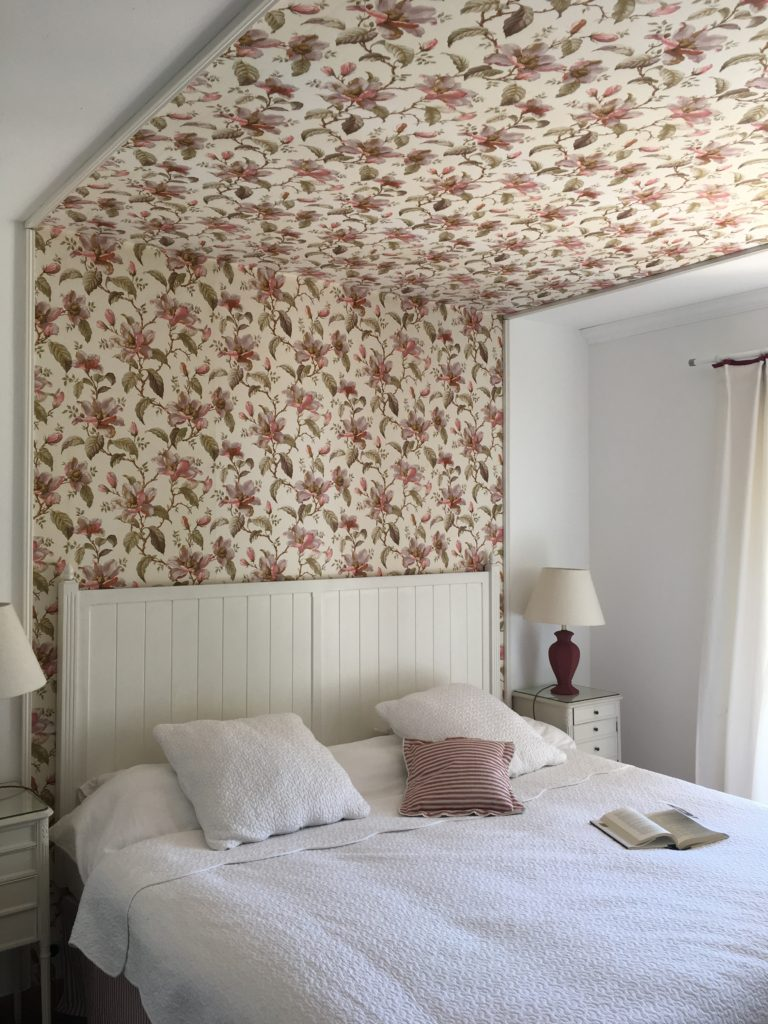 French house Wallpaper bedroom