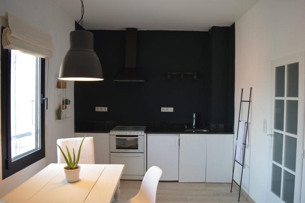 Monochrome Kitchen farrow and ball railings