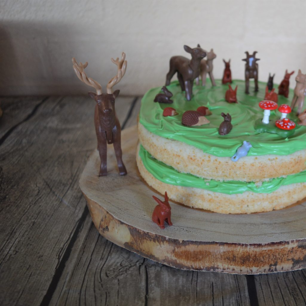 Woodland Birthday party cake food