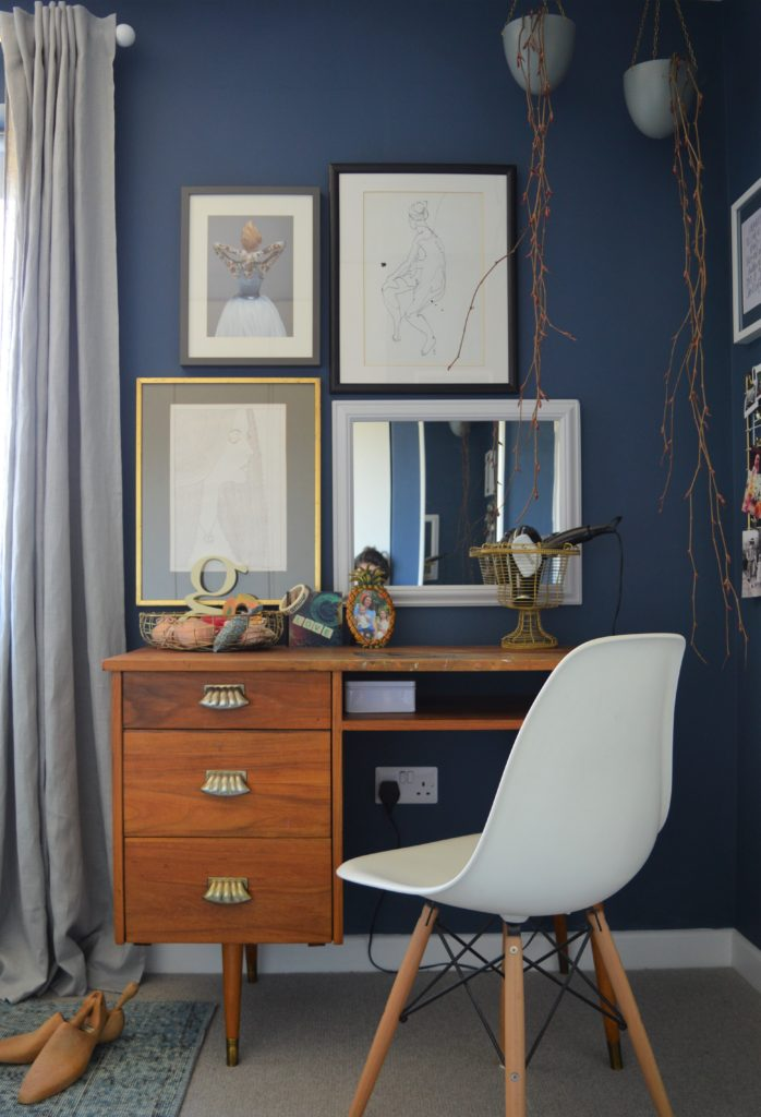 Farrow & Ball Stiffkey Blue bedroom