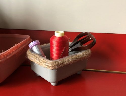 How to: Painted upcycled plastic