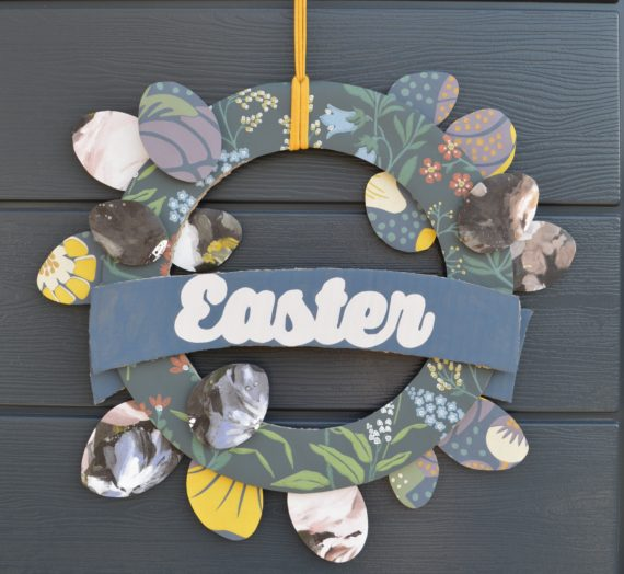 How to: cardboard Easter wreath with wallpaper off cuts